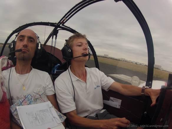 atterrissage stressant à La Rochelle - vent de travers + piste en dur